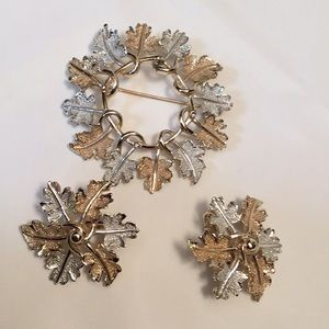 Sarah Coventry Leaf Pin & Matching Clip Earrings